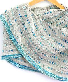 Dot Shawl pattern by Casapinka