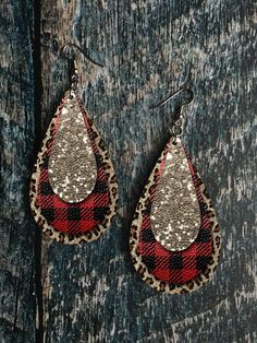 Buffalo Plaid and Leopard Print Drop Earring Sublimation Des. - Buffalo Plaid and Leopard Print Drop Earring Sublimation Design - Diy Leather Earrings, Diy Earrings, Leather Jewelry, Animal Earrings, Wood Earrings, Unique Earrings, Teardrop Earrings, Plaid And Leopard, Plaid And Leather