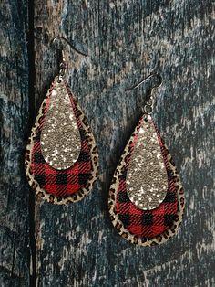 Buffalo Plaid and Leopard Print Drop Earring Sublimation Des. - Buffalo Plaid and Leopard Print Drop Earring Sublimation Design - Diy Leather Earrings, Diy Earrings, Leather Jewelry, Animal Earrings, Wood Earrings, Teardrop Earrings, Earring Crafts, Jewelry Crafts, Geek Jewelry