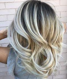 Blonde Cyclone By @brittanytuthillhair #mastersofbalayage #behindthechair #b3 #brazilianbondbuilder #framar #ittakesapro #blondebalayage…