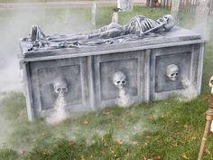 Theme Party Ideas for Your Next Bash Halloween Prop, Halloween Outside, Halloween Tombstones, Halloween Graveyard, Halloween Yard Decorations, Halloween Haunted Houses, Halloween Items, Outdoor Halloween, Halloween 2019