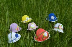 Colorful summer hats for little girls by Karitella on Etsy, €20.00