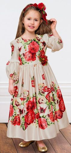 Must Have of the Day: Richly embroidered tulle dresses by David Charles - Kinder Kleidung Little Dresses, Little Girl Dresses, Girls Dresses, Flower Girl Dresses, Frocks For Girls, Kids Frocks, Dress Anak, Tulle Dress, Baby Dress