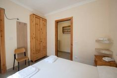 Tribunali A - BH 41 Napoli Tribunali A - BH 41 is a double situated in Naples, 400 metres from San Gregorio Armeno. The air-conditioned unit is 1.3 km from Capodimonte Astronomical Observatory. Free WiFi is available throughout the property.  A TV is provided.