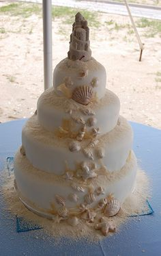 Sandcastle Wedding Cake - no wedding in my future but I think this is adorable for a beach wedding. Seashell Cake, Seashell Wedding, Mermaid Wedding, Beautiful Wedding Cakes, Beautiful Cakes, Amazing Cakes, Sand Castle Cakes, Nautical Cake, Themed Wedding Cakes