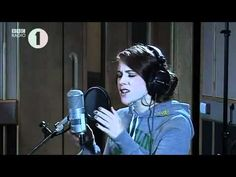 Magnetic Man ft. Katy B - Perfect Stranger. Radio 1 (Live).