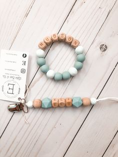 Teething Beads, Baby Bracelet, Diy Baby Gifts, Personalized Baby Gifts, Best Baby Gifts, Diy Teething Toys, Teething Babies, Baby Diy Projects, Bricolage