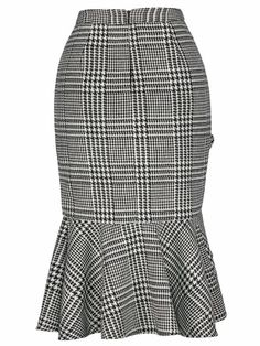 Wales Check Ruffle Skirt -SheIn(Sheinside) Plaid Fashion, Skirt Fashion, Fashion Outfits, Plaid Jeans, Stylish Work Outfits, Plaid Outfits, African Wear, African Fashion Dresses, Ruffle Skirt