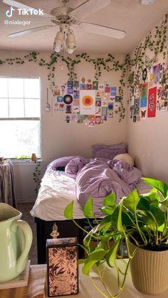 Indie Bedroom, Indie Room Decor, Cute Bedroom Decor, Room Design Bedroom, Room Ideas Bedroom, Girls Bedroom, Bedrooms, Bedroom Inspo, Chambre Indie