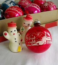 snowman candles & shiny bright - sigh - happy sigh Have the ornament in blue Primitive Christmas, Antique Christmas Ornaments, Old Christmas, Old Fashioned Christmas, Merry Little Christmas, Vintage Ornaments, Retro Christmas, Vintage Christmas Cards, Christmas Items