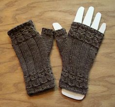 Another Christmas gift finished. Owlings II Pattern: Owlings by Kerrie James Size: Womens medium . Fingerless Gloves Knitted, Crochet Gloves, Knit Mittens, Crochet Scarves, Knit Crochet, Wrist Warmers, Hand Warmers, Knitting Patterns Free, Free Knitting