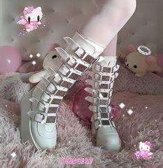 cute goth ~ shared by ♪( ´θ`) on We Heart It Kawaii Shoes, Kawaii Goth, Kawaii Clothes, Aesthetic Grunge Outfit, Aesthetic Shoes, Aesthetic Clothes, Pastel Goth Fashion, Kawaii Fashion, Pastel Goth Shoes
