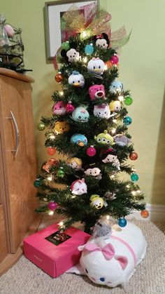 I'm thinking of having a Disney Tsum Tsum Christmas tree this year, after seeing this. Thanks, Jupes!