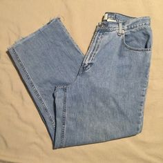 """Gap Wide Leg Jeans Wide Leg Jeans • Soft Denim • Button Closure & Zip • Scoop Pockets & Coin Pocket In Front • Patch Pockets In Back • Light Wash • 100% Cotton • 28"""" Inseam • Bottom Hem Has Been Cut & Has Slight Fraying (Shown In Pic) GAP Jeans Flare & Wide Leg"""