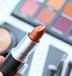 Boxycharm September 2019 Unboxing | Beauty Subscription Box Lipstick Designs, Lip Designs, Frosted Lipstick, Beauty Box Subscriptions, Makeup Must Haves, Perfect Lips, Eye Brushes, Brush Kit