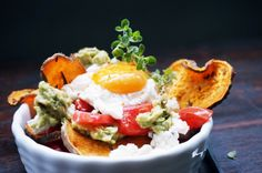 Süßkartoffelräder mit pochiertem Ei Healthy Lifestyle, Tacos, Mexican, Breakfast, Ethnic Recipes, Food, Egg Benedict, Food Recipes, Egg