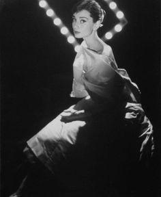 Beyaz perdenin zarif yüzü: Audrey Hepburn