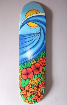 Very cool interpretation of the beach and wave scene. Using an artistic eye to show a wave scene makes this a unique design that many would find appealing even hanging in a gallery. The concept instantly makes me think of Hawaii or a tropical paradise. Skateboard Design, Skateboard Decks, Hawaii Hotels, Skate And Destroy, Cool Skateboards, Skate Surf, Middle School Art, Surf Art, Skateboarding
