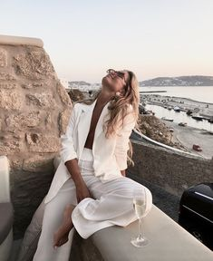 style inspiration vacation look fashion outfit summer naturals beige aesthetic neutral colour palette beauty mood board Mode Outfits, Fashion Outfits, Fashion Trends, Fashion Clothes, Fashion Ideas, Fashion Tips, Easy Style, Look Formal, Looks Style