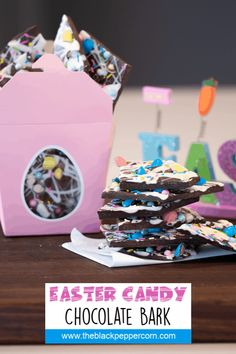 Easter Candy Chocolate Bark Recipe - Holiday Treats - Chocolate bark with a holiday Easter theme. Sweet dessert treat made with dark chocolate melts, white chocolate, malt Easter eggs and sprinkles. White Chocolate Candy, Chocolate Candy Melts, Chocolate Malt, Melting Chocolate, Chocolate Recipes, Easter Snacks, Easter Candy, Easter Recipes, Easter Eggs