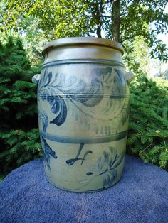 Morgantown, West Virginia 4 Gallon Stoneware Crock Jar with Freehand Decoration Antique Crocks, Old Crocks, Antique Stoneware, Stoneware Crocks, Antique Pottery, Earthenware, Glazed Pottery, Glazes For Pottery, Pottery Painting