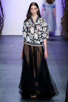 Tadashi Shoji at New York Fashion Week Spring 2016 - Runway Photos Trendy Fashion, High Fashion, Fashion Show, Fashion Looks, Womens Fashion, London Fashion Weeks, Lace Skirt, Sequin Skirt, Tadashi Shoji