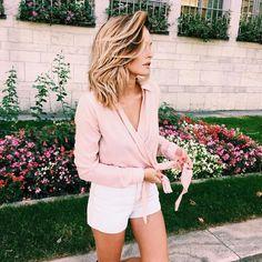 Caroline Receiver- 28 years old- London Based, FrenchBlogger, Actress, TV Host,Founder & CEO of Wandertea, 1,6 Million Instagram Followers....Sinc...