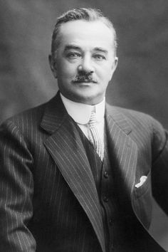 Milton S. Hershey was supposed to be a passenger. Titanic History, Rms Titanic, Milton Hershey, Biography Project, Thomas Andrews, Mind Blowing Facts, Hershey Chocolate, Modern History, World History