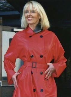 211 | DFP magazine | By: Downpour Due | Flickr - Photo Sharing! Vinyl Raincoat, Pvc Raincoat, Sandy Secrets, Rain Fashion, Women's Fashion, Rubber Raincoats, Equestrian Chic, Double Breasted Trench Coat, Fetish Fashion