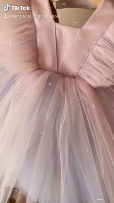 Frocks For Girls, Kids Frocks, Little Girl Dresses, Girls Dresses, Flower Girl Dresses, Baby Girl Dress Patterns, Baby Dress, Dresses Elegant, Cute Dresses