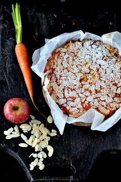 PANEDOLCEALCIOCCOLATO: Torta (Gluten Free) di mele carote e mandorle