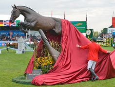 Eric Lamaze unveils the Hickstead statue at Spruce Meadows. What a beautiful, heartwrenching moment.