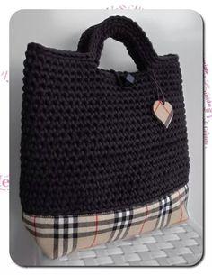 Este bolso que teño no  meu Pinterest , deume a idea de reciclar un bolso bastante maliño que viña cunha revista