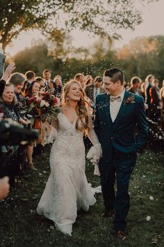 A little rustic, a little boho, a whole lot of DREAMY! Don't miss this gorgeous backyard wedding | Image by Cody   Allison Photography Anniversary Photos, Couple Portraits, Wedding Images, Wedding Blog, Engagement Photos, Backyard, Boho, Couples, Photography