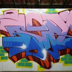 More details of the work, place and artist: http://streetartrio.com.br/artista/blopa-artistas/compartilhado-por-__blopa-em-mar-26-2015-2004/ /  #arte #blopa #details #favela #freehand #freestyle #graffiti #graffitilovers #graffitirj #graffrio #hiphop #instagrafite #letters #loveletters #magicgallery #mtn #mtn94 #rap #riodejaneiro #rjvandal #rua #spray #sprayart #spraycan #street #streetart #streetartrio #vscocam #wildstyle #wildstylegraffiti #streetphotography #buildinggraffiti #graffitiart…