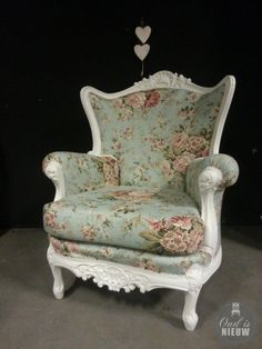 Show Your Family The Greatest Pride – Decorate Your Living Room Using Shabby Chic – Shabby Chic News Shabby Chic Armchair, Shabby Chic Chairs, Shabby Chic Living Room, Vintage Shabby Chic, Shabby Chic Style, Shabby Chic Furniture, Shabby Chic Decor, Diy Furniture, Shabby Home