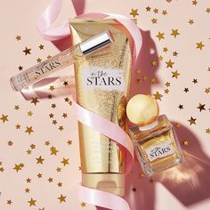 Say hello to In the Stars, a captivating fragrance as unique as you are – a sparkling blend of starflower, sandalwood, tangelo, white agarwood and amber. Bath N Body Works, Bath And Body Works Perfume, Christmas Mood, Christmas Makes, Holiday, Makeup Photography, Product Photography, Instagram Christmas, Christmas Photography