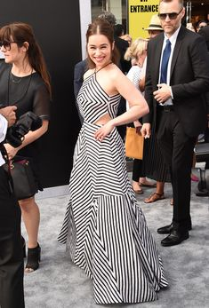 "Emilia Clarke Photos Photos - Actress Emilia Clarke arrives at the premiere of Paramount Pictures' ""Terminator Genisys"" at the Dolby Theatre on June 2015 in Hollywood, California. - Celebs Arrive at the Premiere of Paramount Pictures' 'Terminator Genisys' Emilia Clarke, Dress Outfits, Fashion Dresses, Celebrity Style Inspiration, Fashion For Petite Women, Black And White Prints, Traditional Fashion, African Print Fashion, Stripes Fashion"