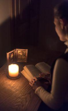 jillian // twenty-something // catholic // youth minister // theology student // joyful Catholic Art, Roman Catholic, Religious Art, Candle In The Dark, Bibel Journal, Prayer Corner, Images Instagram, Home Altar, Light Of Life
