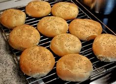 Homemade hamburgerbread Hamburger, Bread, Homemade, Food, Home Made, Brot, Essen, Baking, Burgers
