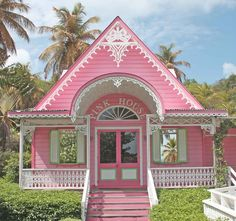 This little pink house is so cute....