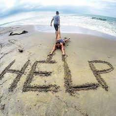 Here Are 16 Cool And Creative ideas For Your Memorable Vacation Photos - Beach Funny Beach Pictures, Beach Pictures Wallpaper, Couple Beach Pictures, Beach Images, Beach Photos Couples, Creative Beach Pictures, Ocean Pictures, Beach Wallpaper, Girl Pictures