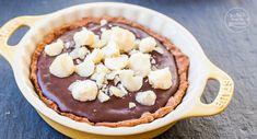 Schokoladen-Tartelettes mit zartschmelzender Creme und karamellisierten Nüssen. Ein perfektes Rezept für Schokoholics. Schokolade macht glücklich!