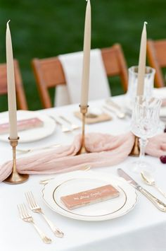 Neutral wedding table decors - Neutral wedding color for a minimalist wedding theme Wedding Centerpieces, Wedding Decorations, Table Decorations, Wedding Themes, Tall Centerpiece, Neutral Wedding Colors, Dusty Rose Wedding, Wedding Flowers, Blush And Gold