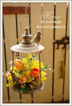 鳥かごにアレンジされたミモザ。真似してみたいアレンジですね。 Bird Cage, Table Decorations, Spring, Flowers, Handmade, Ideas, Home Decor, Hand Made, Decoration Home