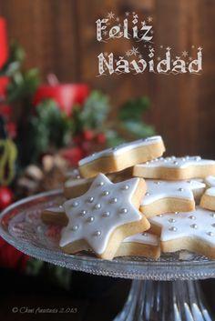 Cocina compartida: GALLETAS NAVIDEÑAS DE MANTEQUILLA CON SABOR A MAZAPÁN Y FELIZ NAVIDAD