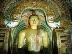 DAMBULLA - cave temple  #srilanka #ceylon #asia #travel #backpack #digitalnomad #traveling #tourist #asia #dambulla #history #buddhism