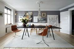 Dining Room ǁ Fritz Hansen products: PK9™ chair by Poul Kjærholm