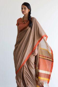 Thamba Rali Rata Saree from FashionMarket. Indian Attire, Indian Wear, Indian Dresses, Indian Outfits, Saree Trends, Saree Models, Simple Sarees, Stylish Sarees, Saree Look