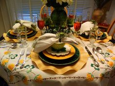 ~Tablescapes By Diane~: St. Patrick's Day is coming.  http://tablescapesbydiane.blogspot.com/2013/02/st-patricks-day-is-coming.html